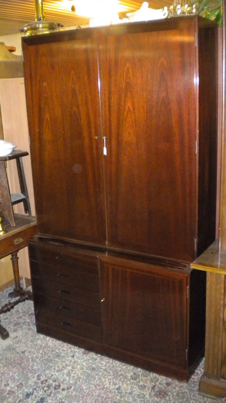 Linnet- and service cabinet
